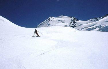 poco sotto il Passo di Verra 3848 m.