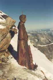 statua nei pressi cima Svizzera