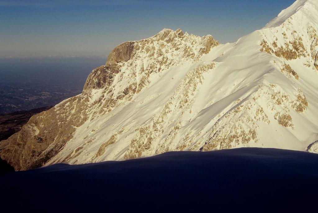 panorami dalla cima : Corno Piccolo (3-1-1996)