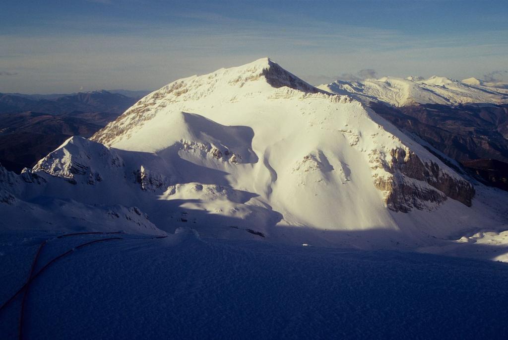 panorami dalla cima : Monte Corvo (3-1-1996)
