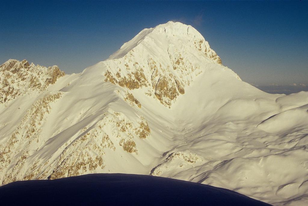 panorami dalla cima : Corno Grande vetta Occidentale (3-1-1996)