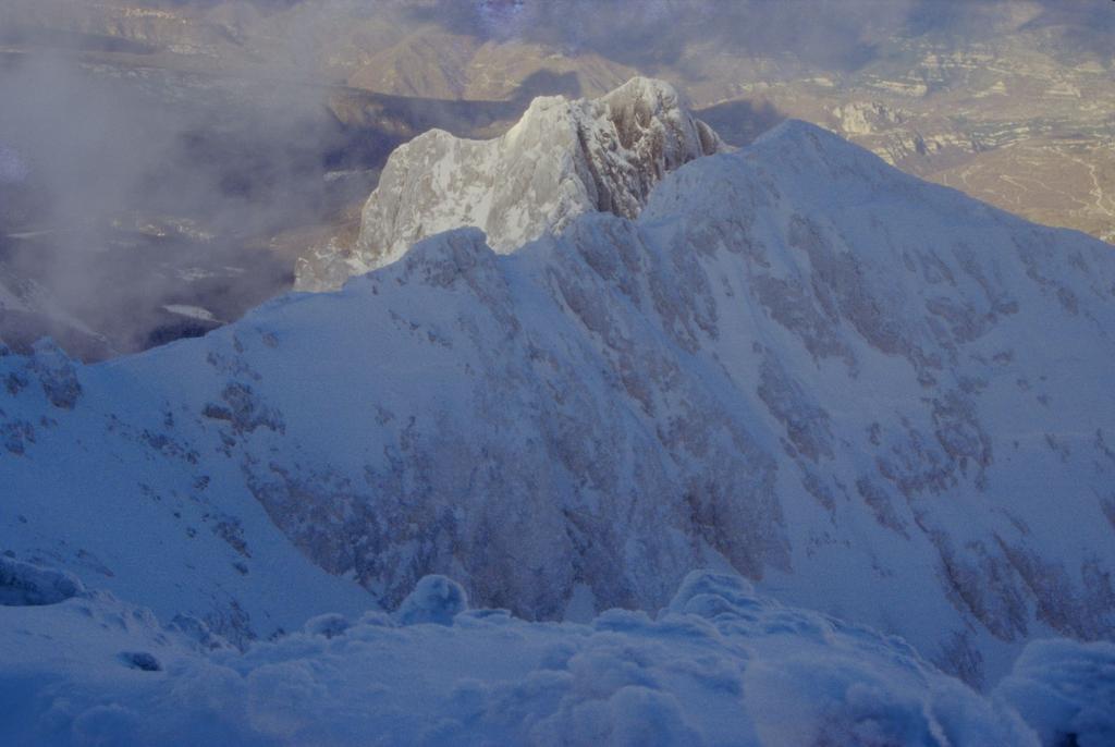 panorami dalla cima : Corno Piccolo (1-1-1995)