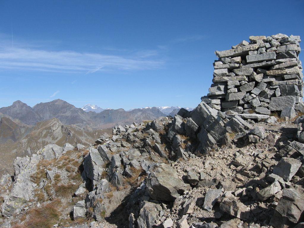 La torre in pietra della cima