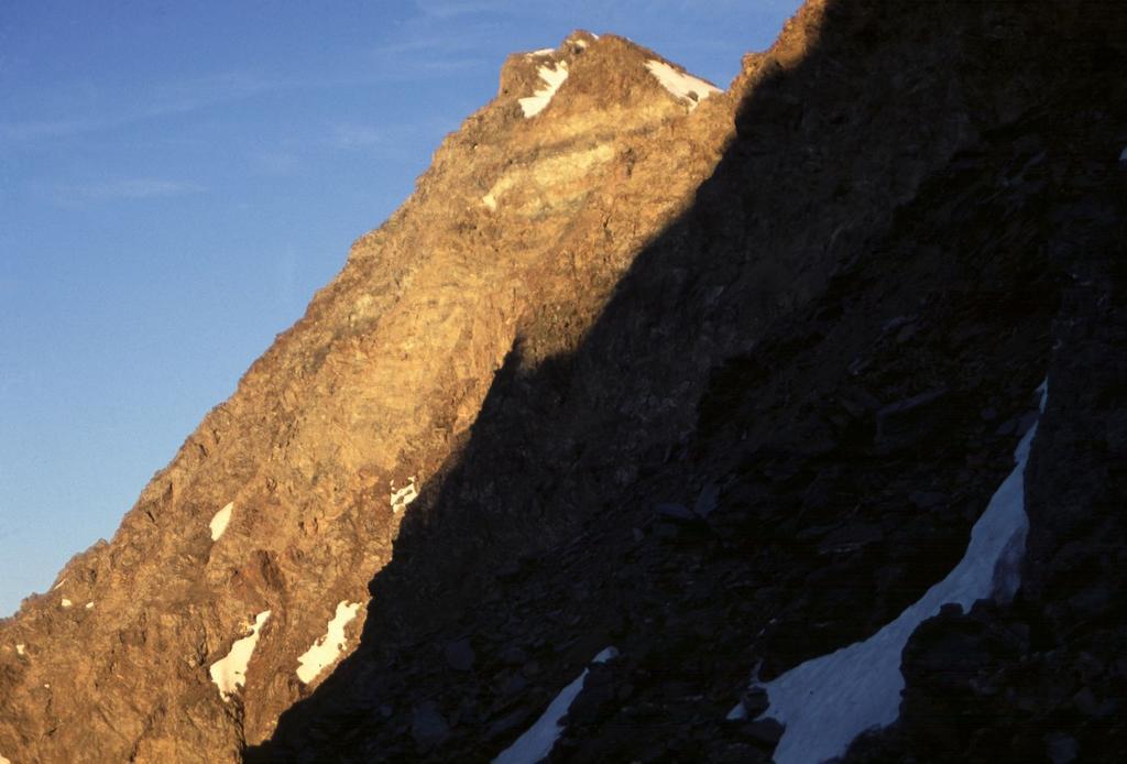 prime luci del sole sul Mont Cordine (10-7-1994)