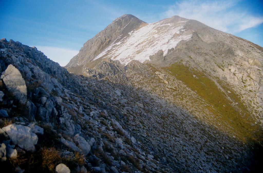 la parte alta della cresta Ovest del Cassorso (28-9-1996)