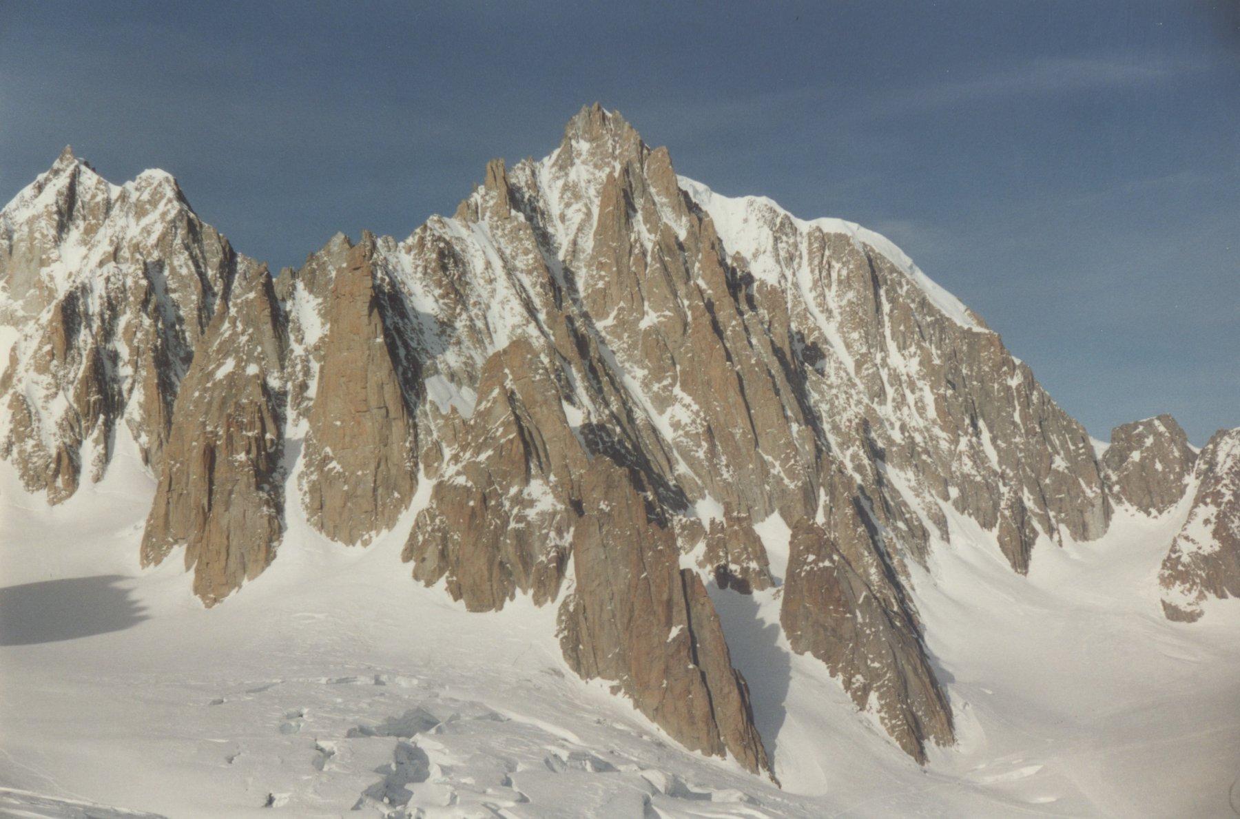 dalla cima mont blanc du tacul e grand capucin
