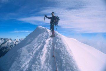 io sulla cresta nevosa finale che porta in vetta (3-8-1997)