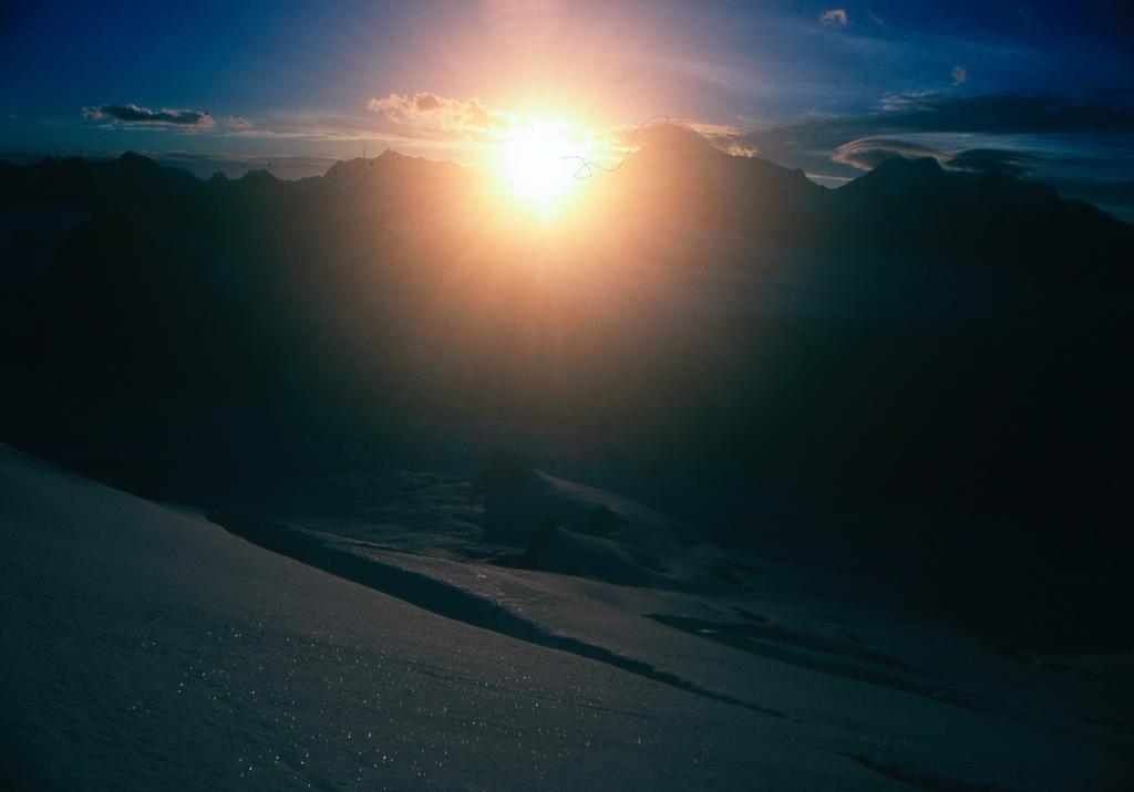 le prime luci del sole sul Feegletscher (3-8-1997)