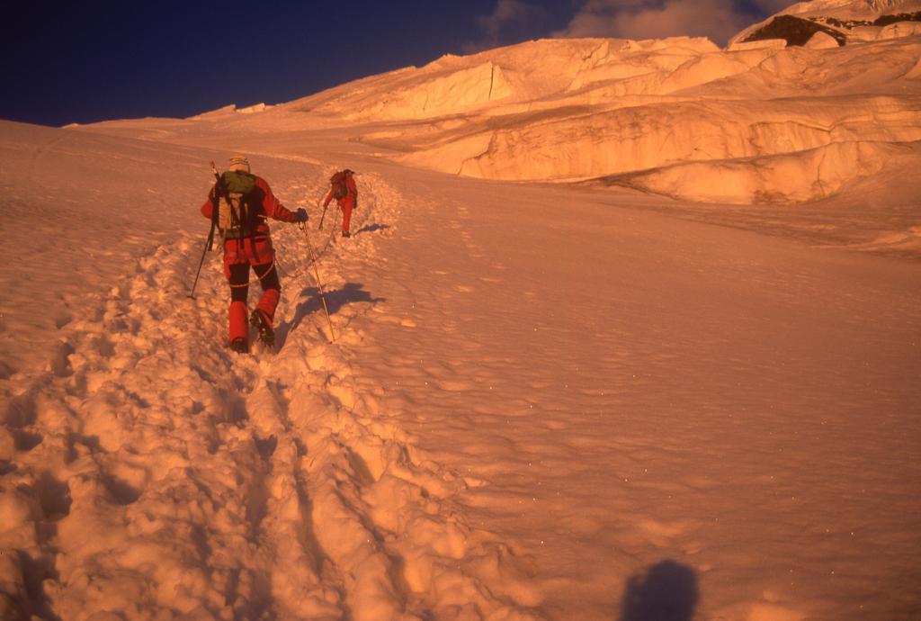 le prime luci dell'alba sul ghiacciaio (3-8-1997)