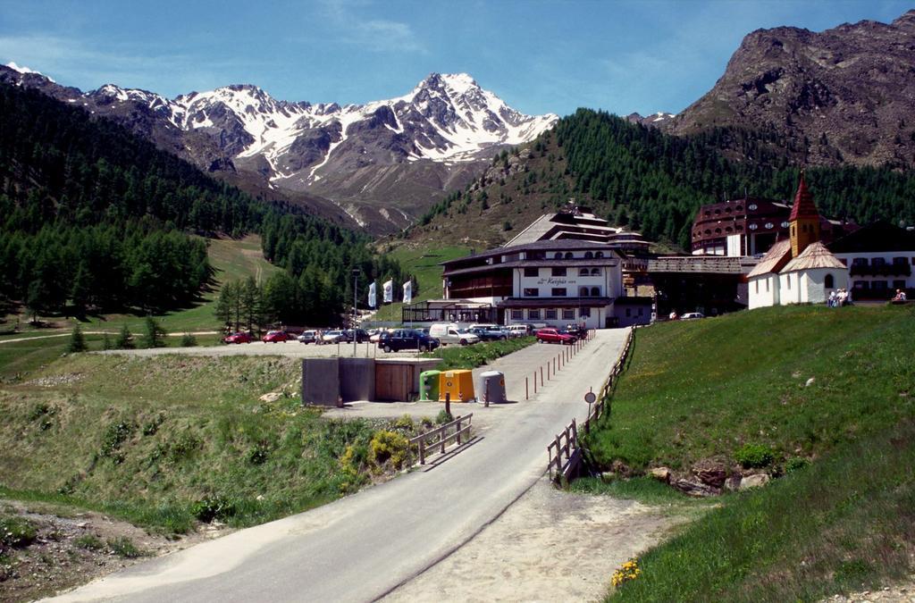 Vernago, il punto di partenza per il Rifugio Similaun (20-6-1998)