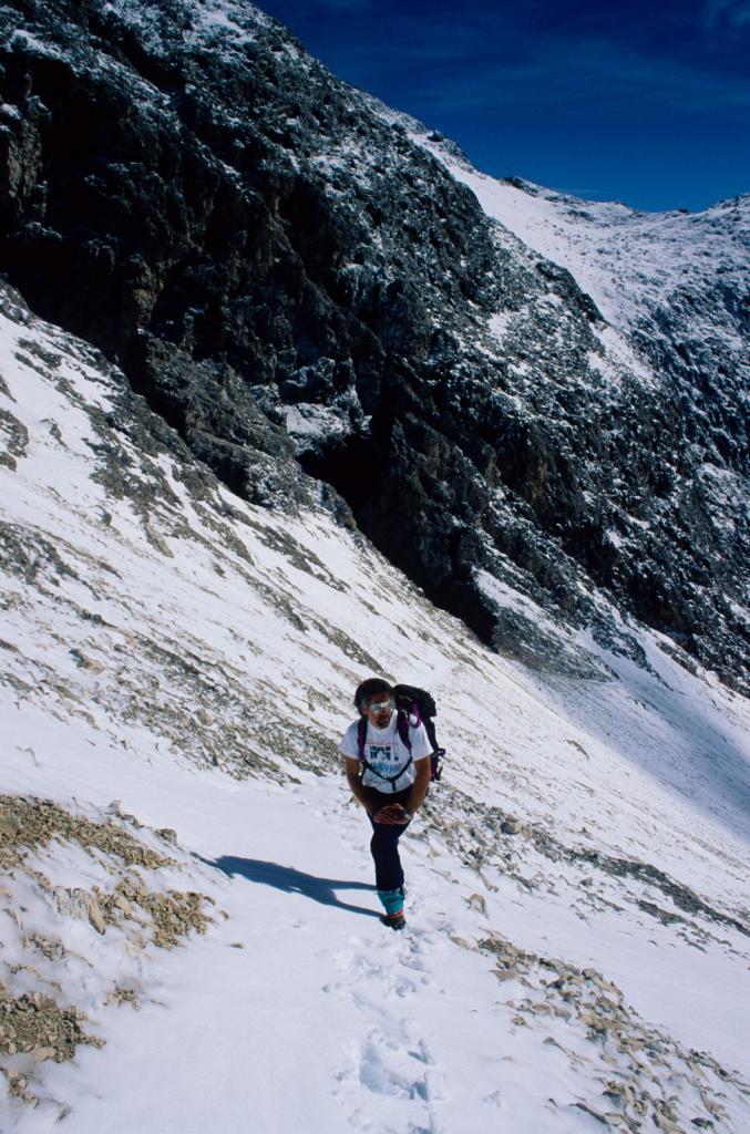 Gianluigi nella parte alta del vallone di salita (6-9-1998)