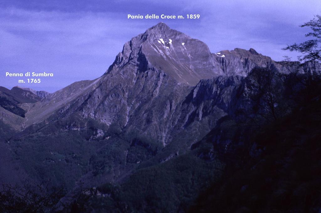 panorami osservati dalla cima...02 (2-5-1999)