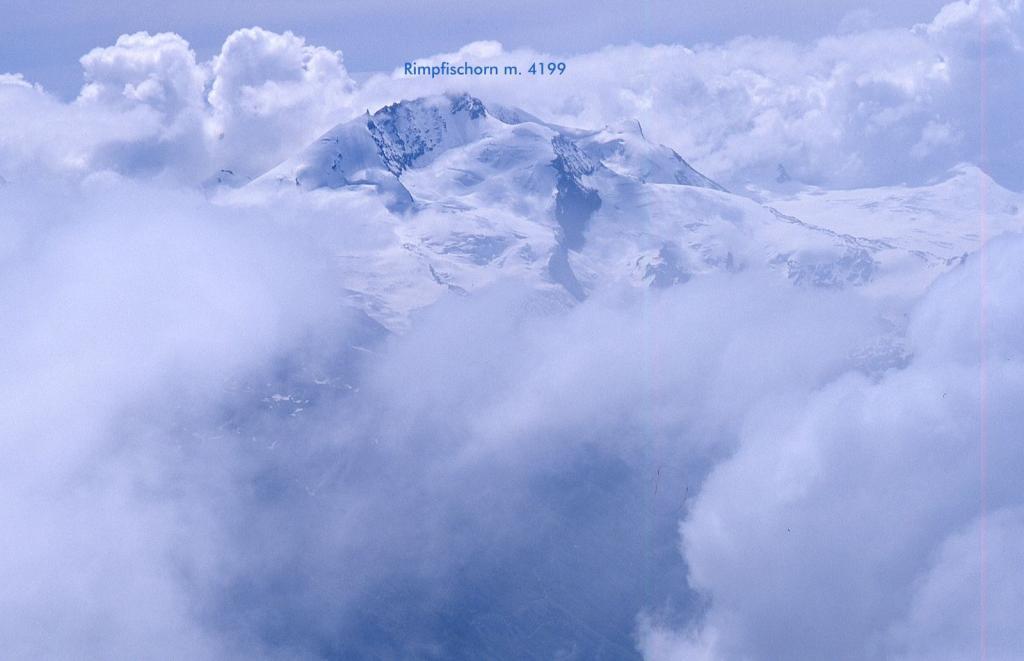 panorami osservati dalla cima...01 (10-7-1999)