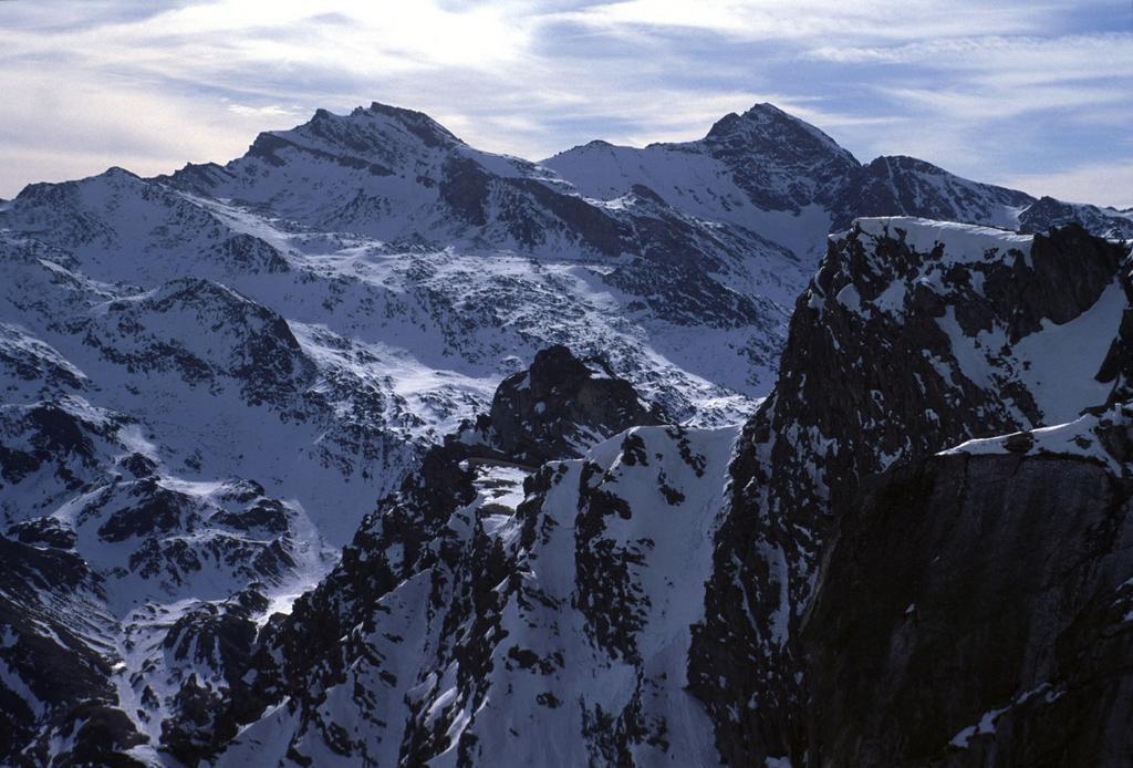 panorami dalla cima : Monte Salza e Mongioia (6-2-2000)