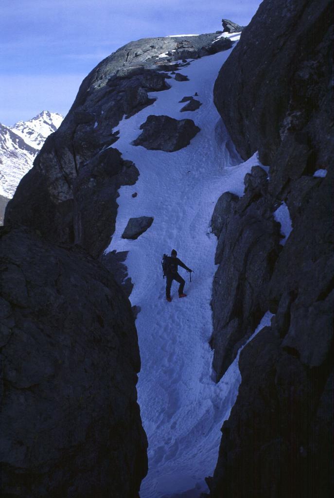 in discesa dalla Rocca Bianca (6-2-2000)
