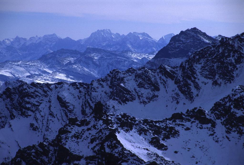 panorama dalla cima : le Alpi Marittime (6-2-2000)