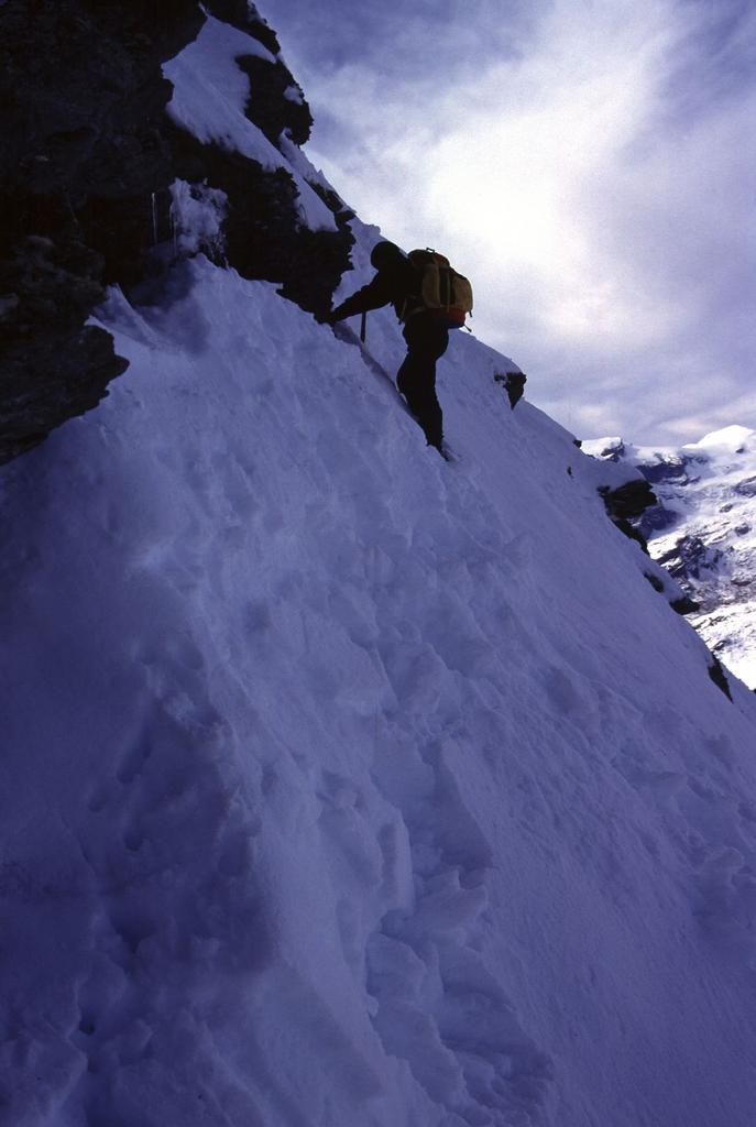 ultimi ripidi metri prima di raggiungere la cima (8-10-2000)