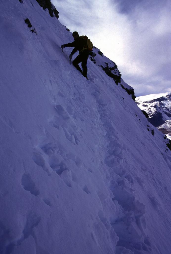 Filippo sale verso la cima (8-10-2000)