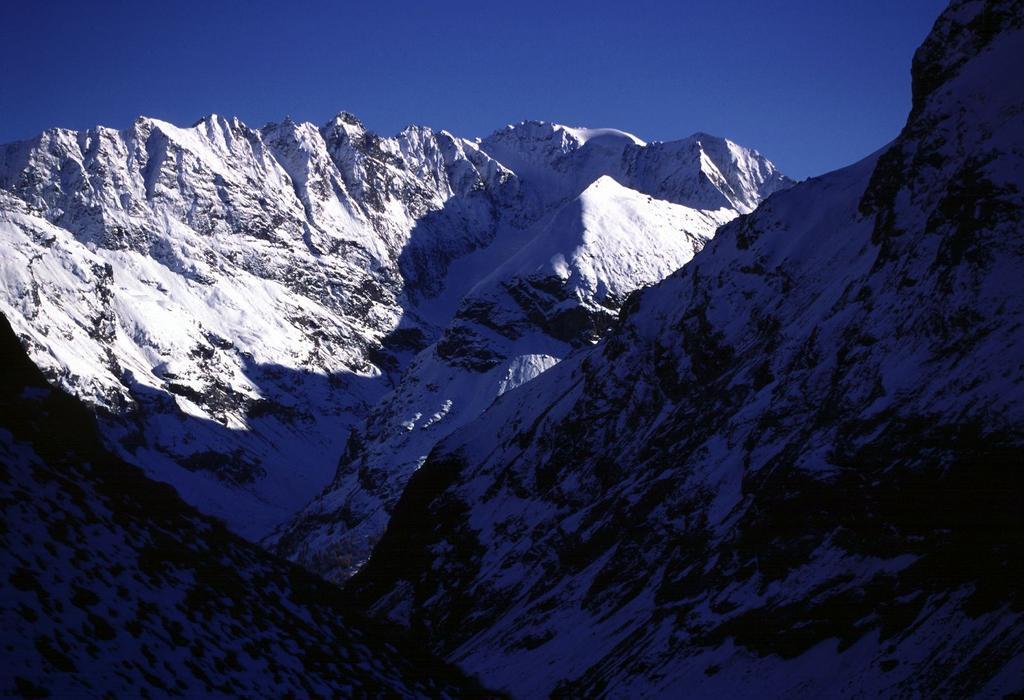 il Dome de Tzan visto dal Rifugio Collon (29-10-2000)