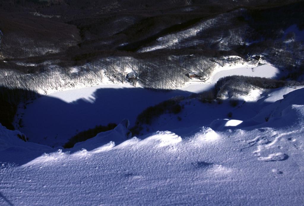 panorami osservati dalla cima : il Lago Santo (11-2-2001)
