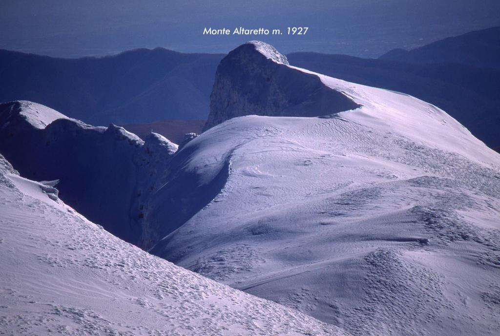 panorami osservati dalla cima...01 (11-2-2001)