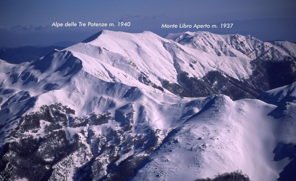 panorami osservati dalla cima...02 (11-2-2001)