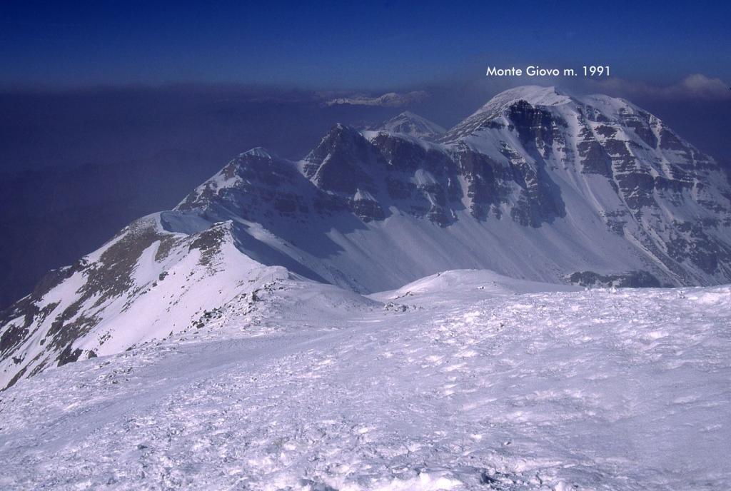 panorami osservati dalla cima : il Monte Giovo (18-2-2001)