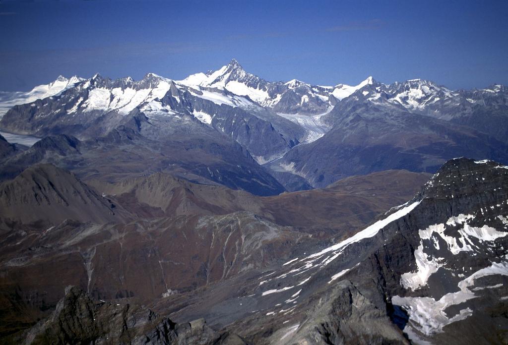 panorami dalla cima : Oberland Bernese, il Gruppo del Finsterahorn (14-10-2001)