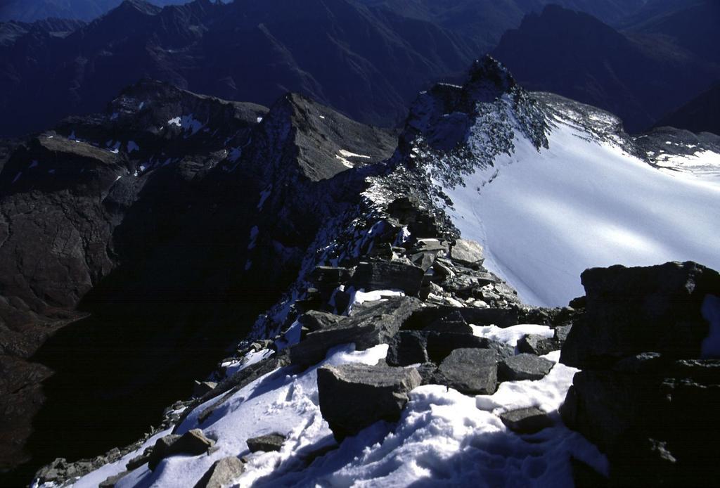la cresta Sud seguita in salita, vista dalla vetta (14-10-2001)