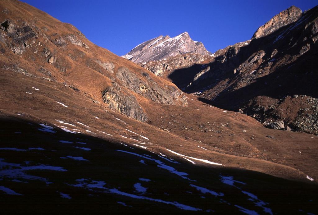 le prime luci del sole nel vallone di salita (5-2-2002)