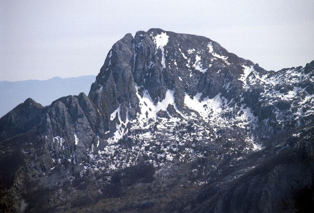 panorami dalla cima : Pania Secca (17-3-2002)