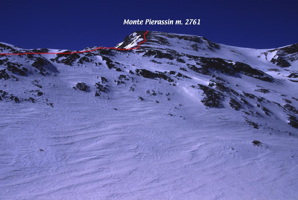 la parte in cresta dell'itinerario seguito, vista dal pianoro sotto il Colle di Roburent (24-3-2002)