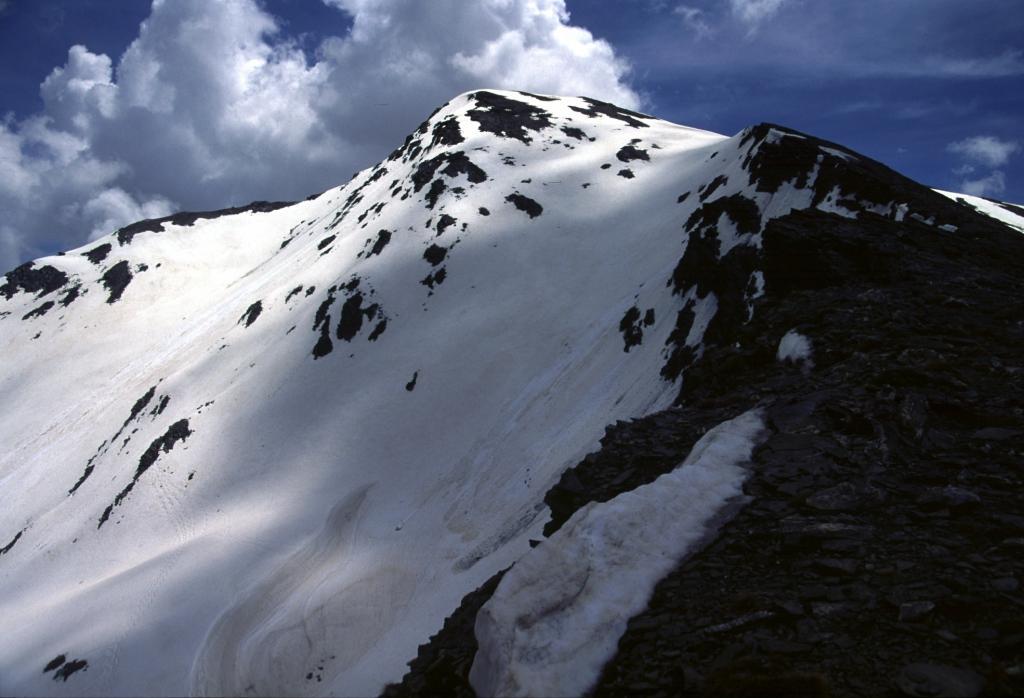 salendo verso la cima del Faraut (15-6-2002)