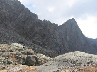 Monte Destrera con vista sul cengione-canale di salita