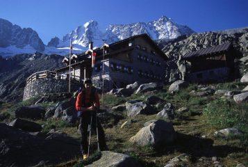 l'arrivo al Rifugio Stavel-Denza (18-8-2002)