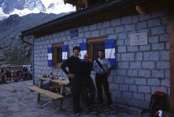 Stelvio, Luca e Gianni al Rifugio Denza (18-8-2002)