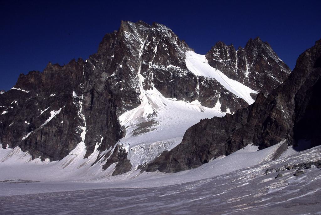 Dents du Bouquetins visti dal Col de Valpelline (6-7-2003)