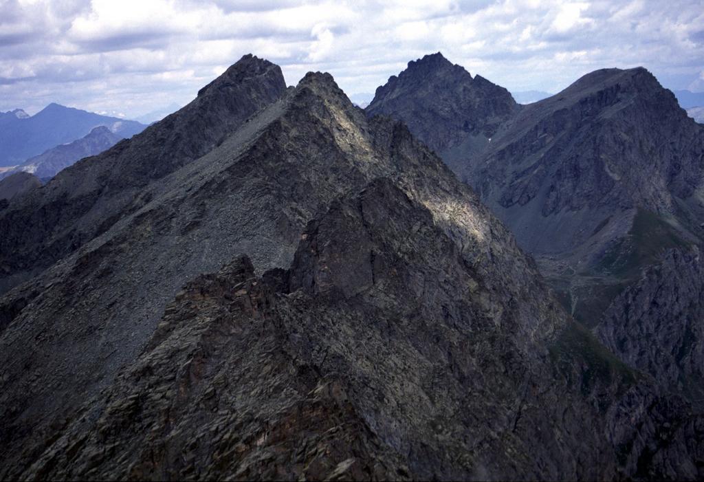 panorami dalla cima : dalla Punta Udine al Monte Meidassa (26-7-2003)
