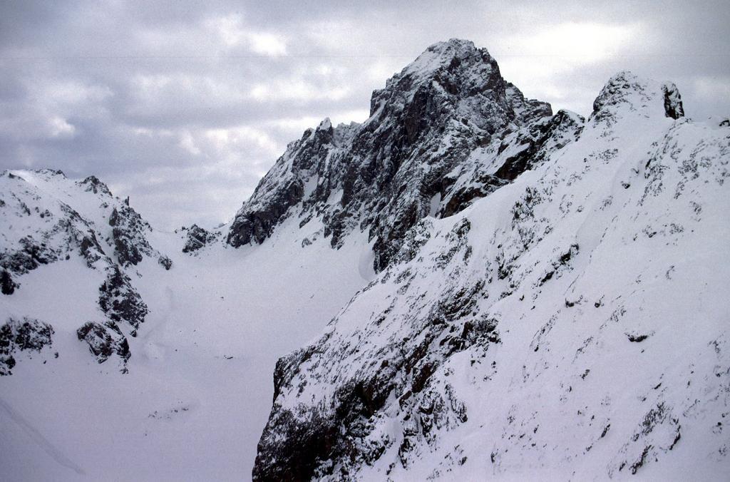 panorami dalla cima : Monte Oronaye (18-4-2004)