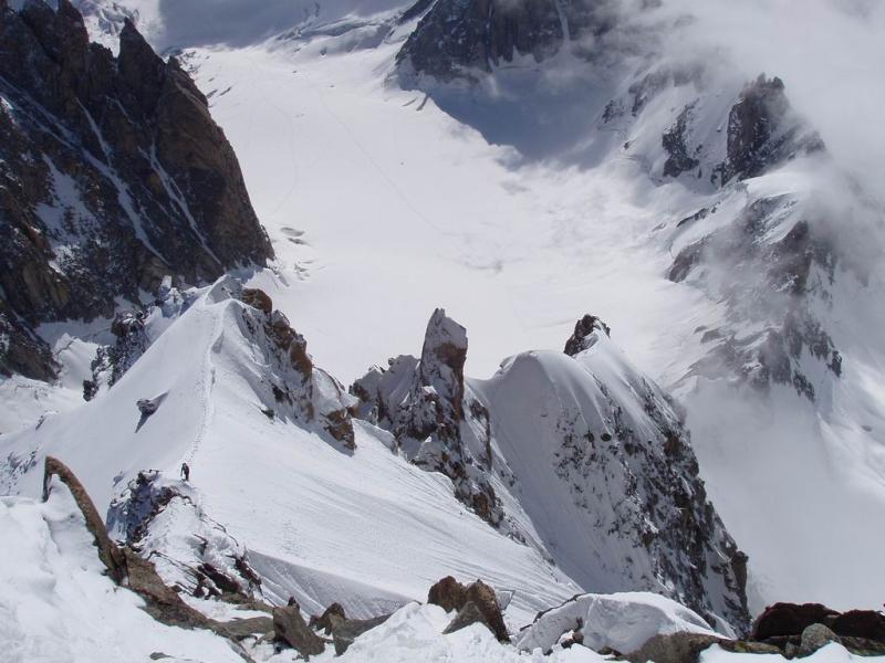 La cresta vista uscendo sulla spalla NE del Maudit.