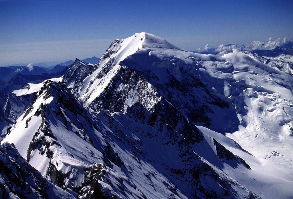 panorami dalla cima : Weissmies, altro bel 4000 !! (14-8-2002)