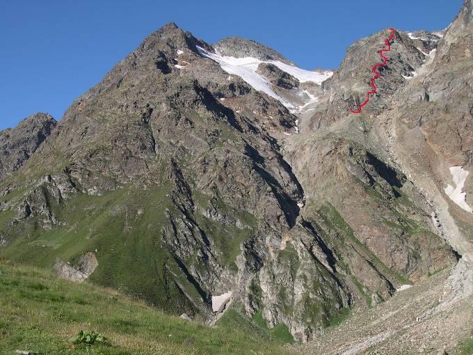 Colatoio di Volfréde e in rosso il percorso della ferrata