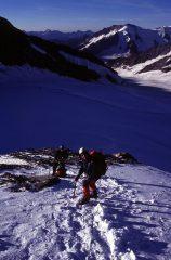 Alberto e Davide nella parte iniziale della cresta SE del Monch (22-8-2004)