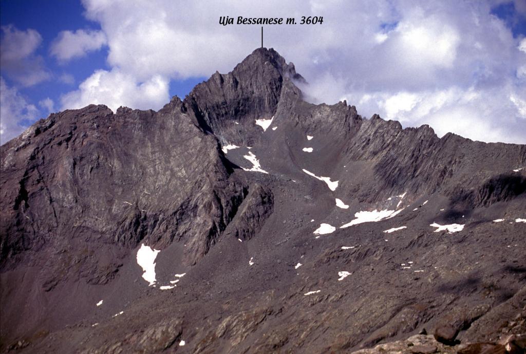 panorami osservati dalla cima...03 (5-9-2004)