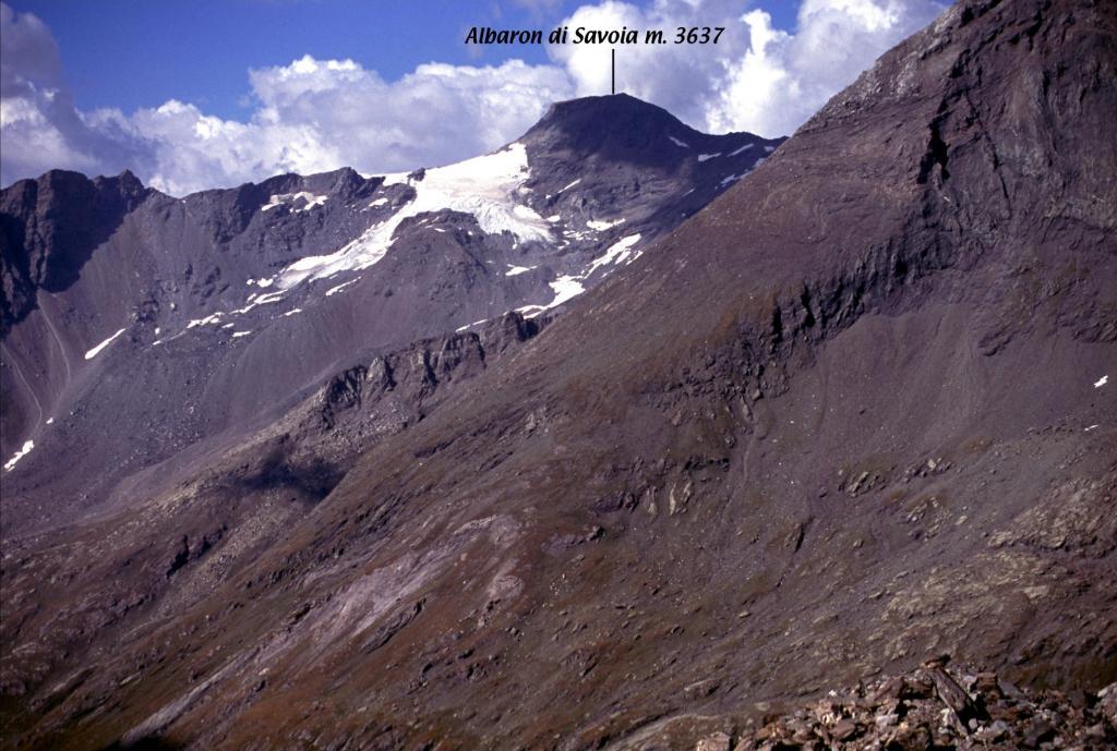 panorami osservati dalla cima...04 (5-9-2004)