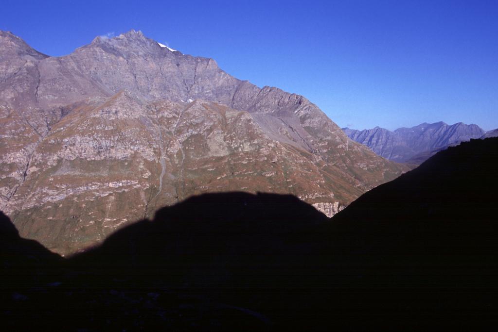 prime luci del sole dal Vallon de la Lombarde (5-9-2004)