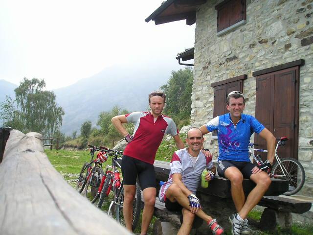 Cont (Alpe del) da Valperga per il Santuario dei Milani 2004-09-11