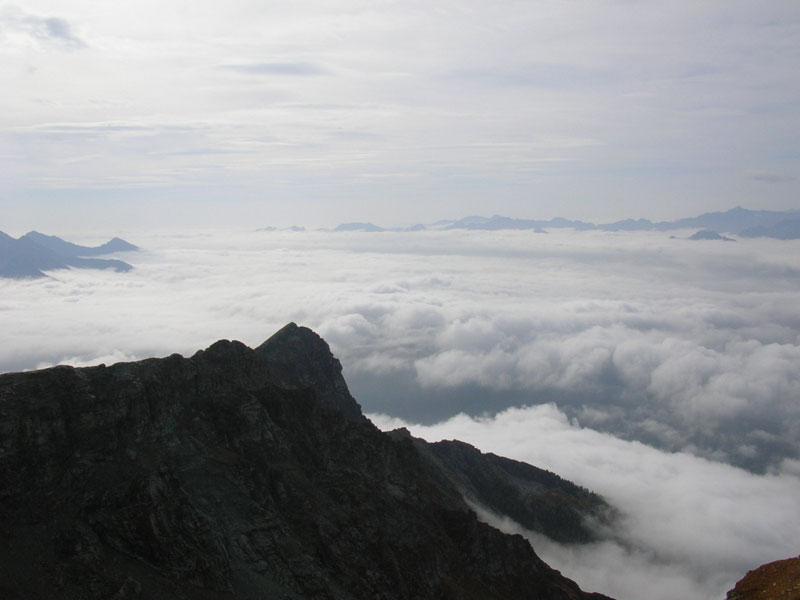 mar di nubi dalla vetta