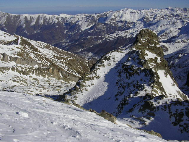 dalla punta un primo piano su Rocca La Bastera