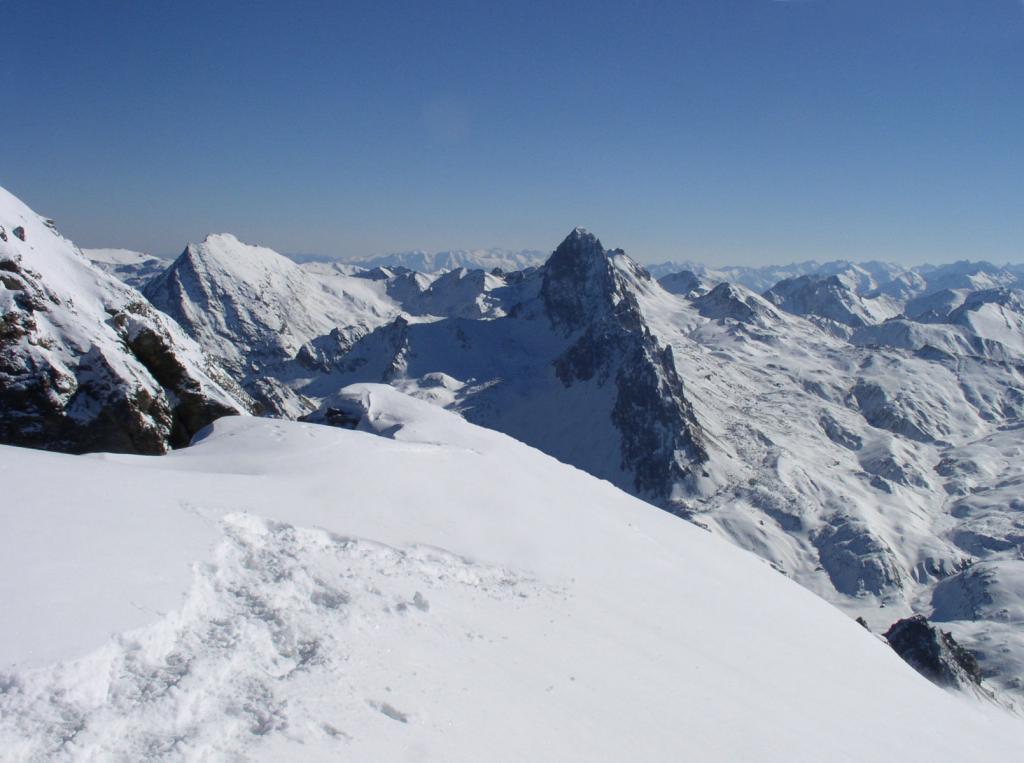 in cima verso la Rocca la Meja